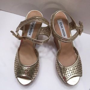Steve Madden woman's size 8 wedge sandals